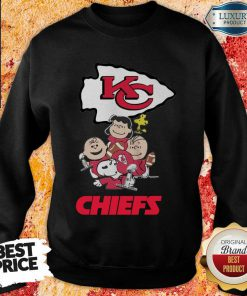Envious Snoopy And Friends Kansas City Chiefs 22 Super Bowl LV Sweatshirt - Design by Effecttee.com